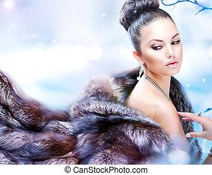 winter, frau, in, luxus, fellmantel