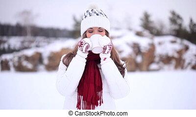 Winter Girl. Tea