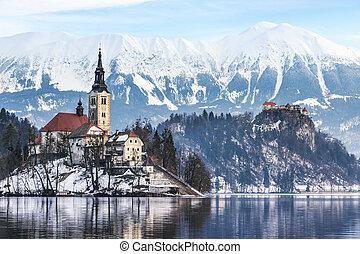 Winter landscape Bled Lake, Slovenia - Lake Bled with St. ...