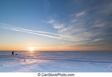 Winter landscape with the setting sun - Siberia, Novosibirsk...