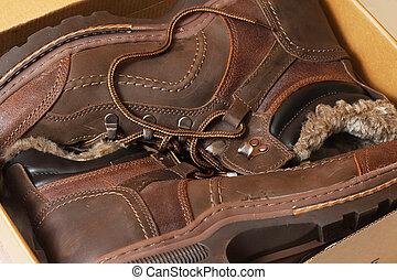 Winter men boots in sale pack