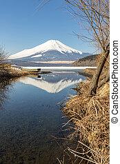 Winter Mount Fuji Yamanaka Lake - Reflection of Winter Mount...