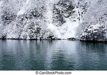 winter of lake - Frosty and snowy winter of lake, Karuizawa,...