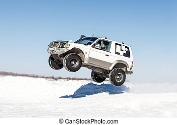 Winter off road race - Mitsubishi Pajero flying after jump...