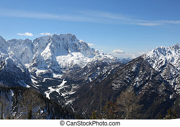 Winter panorama of the beautiful mountains north of Italy...