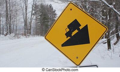 winter., signe., colline escarpée