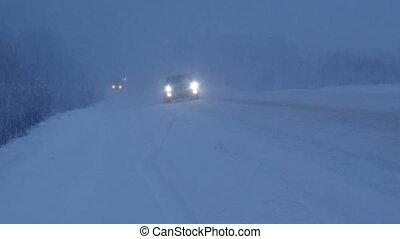 Winter snowfall. Traffic