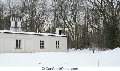winter work clean roof