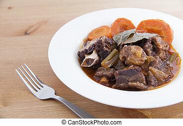 (with, oxtail, stoofvlees, heerlijk, wine), rood