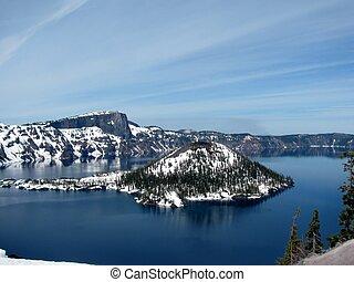 Wizard Island in Crater Lake, Oregon, USA
