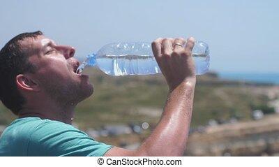 woda, powolny, motion., złamanie, człowiek, 3840x2160, podczas, picie, wyścigi, przystojny
