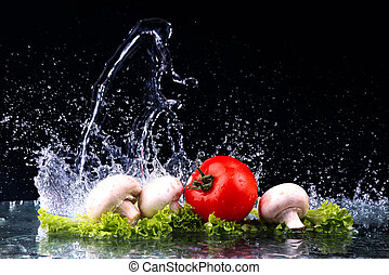 woda, strzał, wiśnia, marznąć, grzyby, bryzg, studio, tło, czarnoskóry, ruch, pomidory