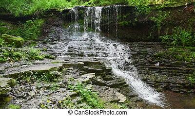 wodospad, w, góry