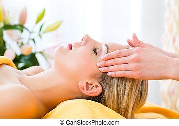 wohlfühlen, -, frau, bekommen, führen massage, in, spa