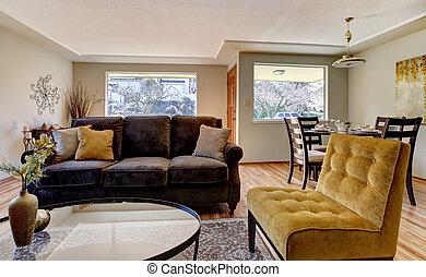 wohnzimmer, braunes sofa, gelber , chair.