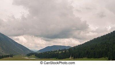 wolken, op, de, bergen., grigoriev, bergkloof, issyk-kul, kyrgyzstan., timelapse