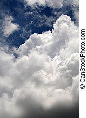 wolkenhimmel, in, himmel