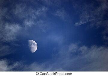 wolkenhimmel, mond