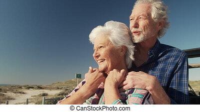 wolny, para, senior, czas, cieszący się, plaża
