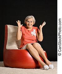 woman ül, karosszék, piros, öregedő