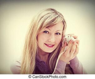 woman and pet rat