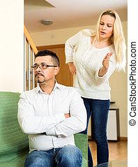 Woman arguing with her boyfriend