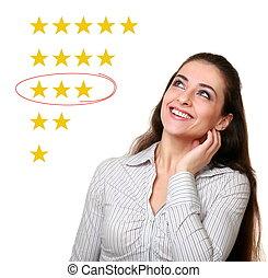 woman, aussieht, auf, und, wählen, durchschnitt, sternen, rating., neutral, rückkopplung, ergebnis