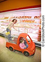 woman child store
