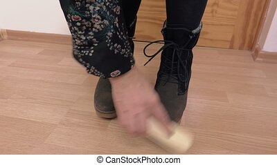 Woman clean wedge boots