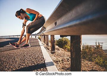 woman, dehnt, nach, sport, rennender , draußen