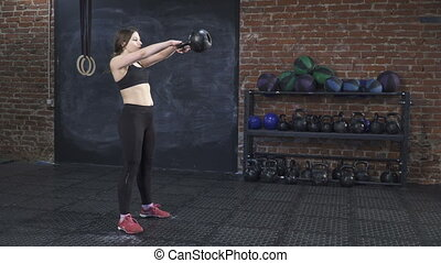 woman doing cross fit workout