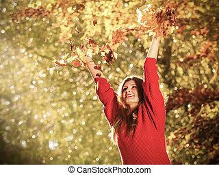 woman ellankad, dobás, zöld, liget, feláll, levegő, ősz