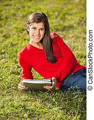 woman ellankad, előjegyez, főiskola, fű, egyetem területe