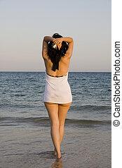 woman enjoys the sea