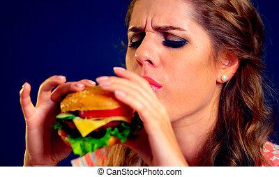 woman eszik, gyorsan, táplálék., leány, élvez, finom, hamburger.