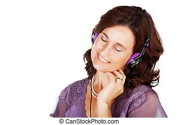 woman in 30s with earphones