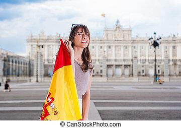 Woman in front of Palacio Oriente