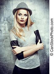 woman in hat