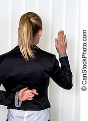 woman making false statement - a woman says as a witness in...