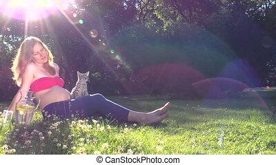 woman play cat clover