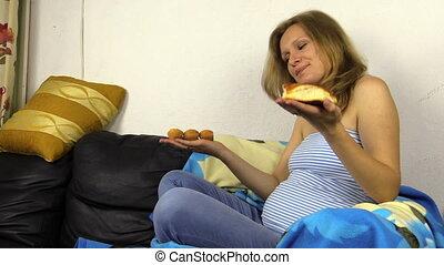 woman pregnant whim bun
