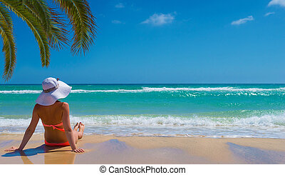 Woman relax on the beach
