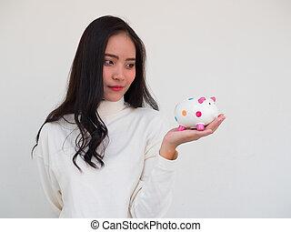 woman save money