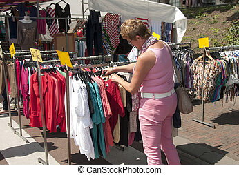 woman shopping on the market