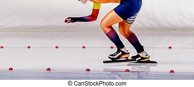 woman speed skater