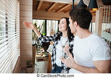 Woman talking to her man