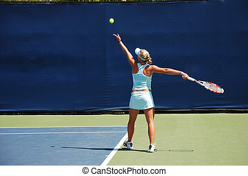 Woman tennis - serving