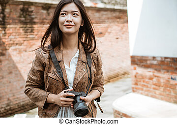 woman travel making picture
