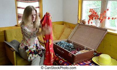 woman trunk flex clothes