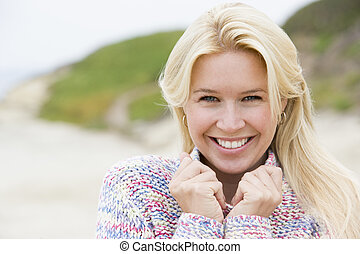 woman van, -ban, tengerpart, mosolygós